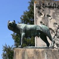Monumento ai caduti 3, all'esterno del cimitero monumentale di Massa Lombarda - Drake9996 - Massa Lombarda (RA)