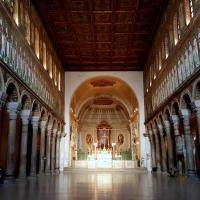 Sant'Apollinare, vista verso l'altare maggiore - MikiRa70 - Ravenna (RA)