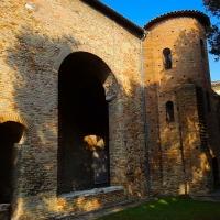 Chiesa di San Salvatore ad Chalchis cosiddetto Palazzo di Teodorico ombre - Opi1010 - Ravenna (RA)