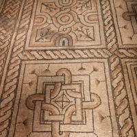 Domus dei tappeti di pietra - foglie, fiori, cerchi e quadrati in rosso, rosa e bianco - LadyBathory1974 - Ravenna (RA)