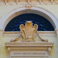 Tomba di Dante dettaglio facciata - Opi1010 - Ravenna (RA)