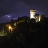 Rocca nella tempesta - UmbertoPaganiniPaganelli - Brisighella (RA)