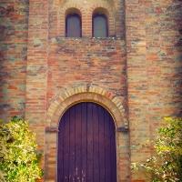 Veduta della porta e della Bifora dell'Antica Pieve - Lomargraphics - Cotignola (RA)