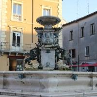 Faenza, fontana monumentale (01) - Gianni Careddu - Faenza (RA)