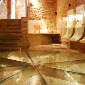 Rocca di Riolo - pavimento di vetro foto di: |Rocca di Riolo| - Rocca di Riolo
