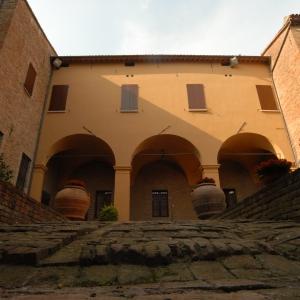 Rocca Sforzesca - Bagnara - Museo del Castello - Rocca Sforzesca Corte interna foto di: |Comune di Bagnara di Romagna| - Comune di Bagnara di Romagna