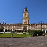 Piazza Bentivoglio - La piazza centrale di Gualtieri risalente al 1600 - Caba2011 - Gualtieri (RE)