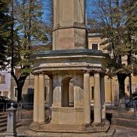 Antico (1776) pozzo pubblico di Piazza Nuova. Qui si fermò Napoleone ad abbeverare le proprie truppe durante la campagna d'Italia - Caba2011 - Gualtieri (RE)