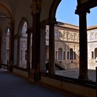 Corridoio e cortile dei chiostri - Caba2011 - Reggio nell'Emilia (RE)