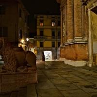 La Basilica di San Prospero con i caratteristici leoni rossi - Caba2011 - Reggio nell'Emilia (RE)