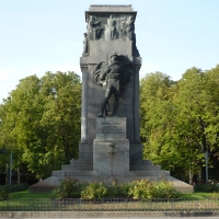 Piazza della vittoria Giardini pubblici Monumento ai caduti 02 - Vascodegama1972 - Reggio nell'Emilia (RE)