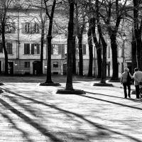 Luci e ombre in piazza Fontanesi - Fed86ert - Reggio nell'Emilia (RE)