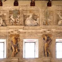 Pier francesco battistelli e aiuti, affreschi con scene dell'orlando furioso e della gerusalemme l. tra telamoni, 1619-28, 24 - Sailko - Gualtieri (RE)