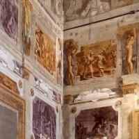 Pier francesco battistelli e aiuti, affreschi con scene dell'orlando furioso e della gerusalemme l. tra telamoni, 1619-28, 12 - Sailko - Gualtieri (RE)