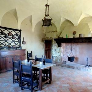 Castello di Bianello - Cucina foto di: |Giacopini Vito| - Archivio fotografico del castello