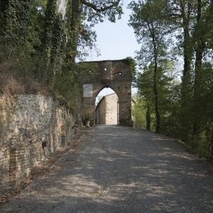 Castello di Bianello - Arco d'ingresso foto di: |IBC Regione Emilia Romagna Andrea Scardova| - IBC
