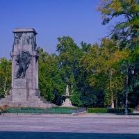 Giardini pubblici caratterizzati dall'imponente monumento ai caduti - Caba2011 - Reggio nell'Emilia (RE)