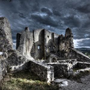 immagine da Castello di Canossa