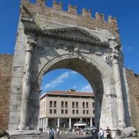 Rimini, arco di augusto, lato esterno 01 - Sailko - Rimini (RN)