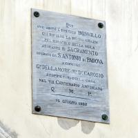 Rimini, piazza tre martiri, targa dell'eretico del miracolod ella mula di s. antonio da padova - Sailko - Rimini (RN)