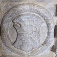 Cappella dei caduti, portale, stemma sigismondo - Sailko - Rimini (RN)