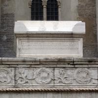 Tempio malatestiano, ri, fianco dx, tomba 02 di giusto de' conti - Sailko - Rimini (RN)