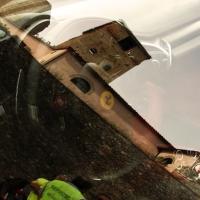 Campanile di San Paolo riflesso sul vetro di una Ferrari - LaraLally19 - Montefiore Conca (RN)