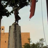Monumento e la rocca - LaraLally19 - Montefiore Conca (RN)