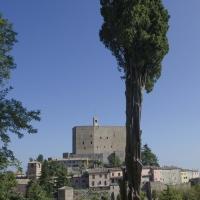 PARCO DEL CIPRESSO CON ROCCA SULLO SFONDO - FabioFromItaly - Montefiore Conca (RN)