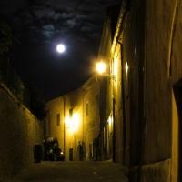 Una vecchia via illuminata dalla luna - Larabraga19 - Montefiore Conca (RN)