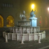 Fontana della pigna by night - Maxy.champ - Rimini (RN)