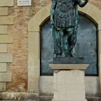 Monumento al Console romano Gaio Giulio Cesare - Caba2011 - Rimini (RN)