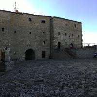 Rocca di San Leo, cortile interno - Fringio - San Leo (RN)