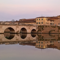 Il Ponte di Tiberio di Rimini come in uno specchio - Supermabi - Rimini (RN)