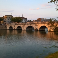 Il Ponte di Tiberio di Rimini verso il Borgo - Supermabi - Rimini (RN)