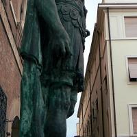 Rimini profilo statua di Giulio Cesare 3 - Paperoastro - Rimini (RN)