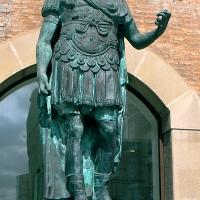 Rimini statua di Giulio Cesare - Paperoastro - Rimini (RN)
