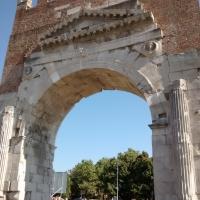 Dettagli dell'arco augusteo - Marmarygra - Rimini (RN)