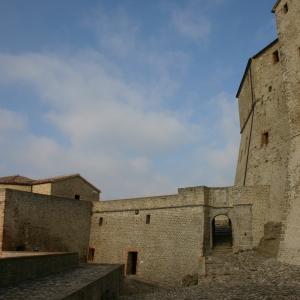 Fortezza di San Leo - Prima piazza d'armi della Fortezza di San Leo foto di: Comune di San Leo - Anna Rita Nanni