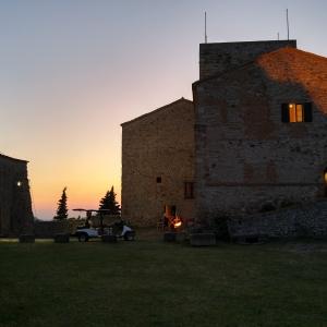 Rocca Malatestiana - Rocca malatestiana di Verucchio al tramonto foto di: |Giuseppe Lo Cascio| - IAT VERUCCHIO