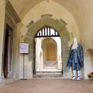 Rocca Fregoso - entrata foto di: |roberto sibilia| - proloco
